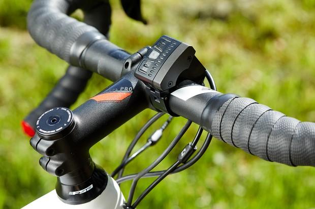 Bar mounted control for Cube Agree Hybrid C:62 SL disc