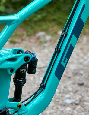 Fox Float Performance DPX2 rear shock on GT mountain bike and external cables