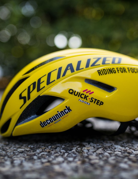 Alaphilippe's Specialized S-Works Evade helmet is yellow, too