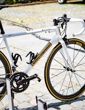 Naesen_Corsa_1_4_Copyright_Eddy Merckx