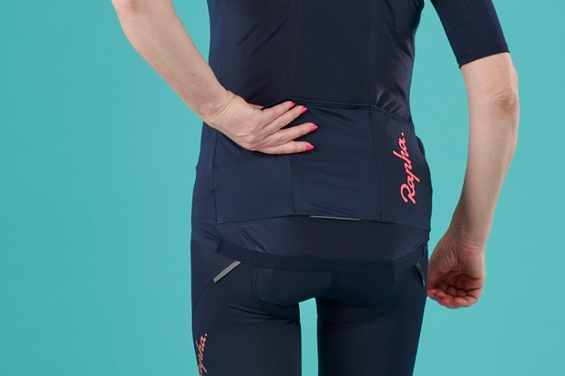 Pockets on the Rapha Women's Souplesse Aero cycling jersey