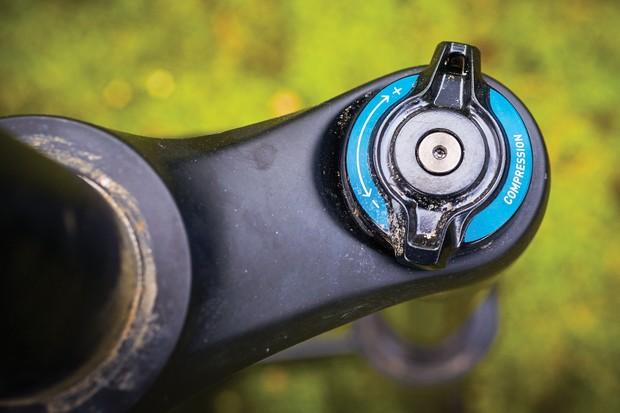 RockShox Yari RC Debonair fork review - BikeRadar