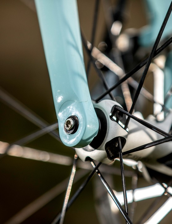carbon fibre axles on gravel bike