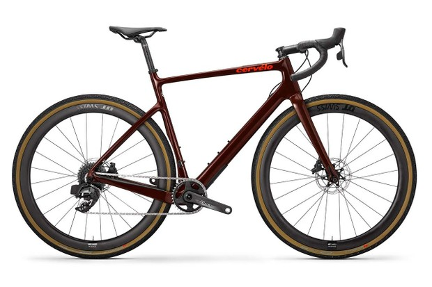 The top of the range Áspero gets Force eTap AXS 1x 12 gearing and carbon DT Swiss wheels