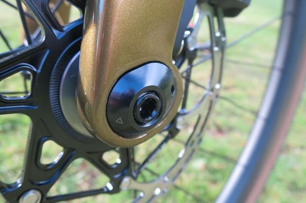 trail mixer dropout on gravel bike