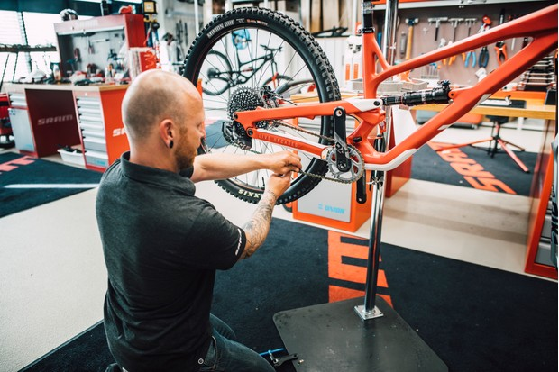 Zipp's new 3ZERO MOTO wheels have carbon rims and are trail/enduro ready