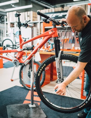 RockShox Pike Ultimate forks up front, Deluxe Ultimate shock at the back