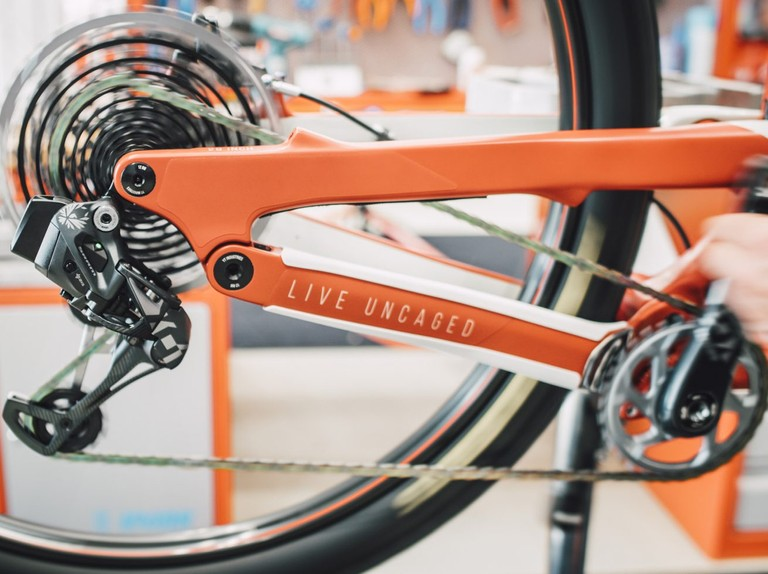 BikeRadar Tech Talk Ep 6 and 7: Suspension springs and MTB drivetrains