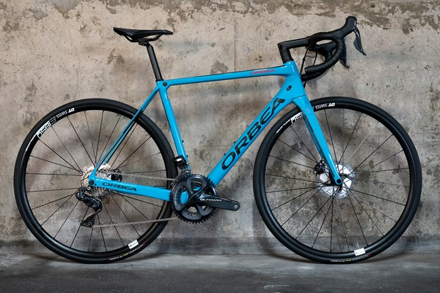 Orbea Orca M20 Team-D road bike in blue