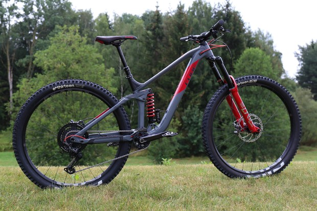 The CUBE Stereo 170 TM 29 is a mean looking bike that is ready to tear up the trails