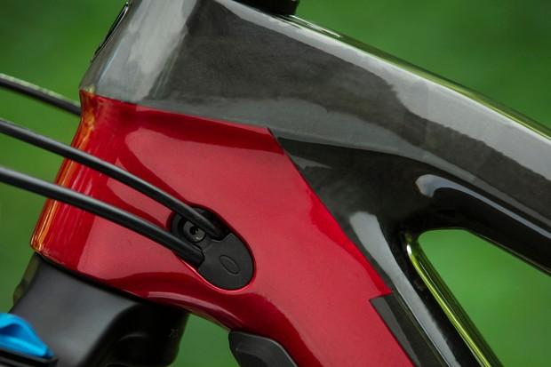 Trek Fuel EX mountain bike internal cable routing