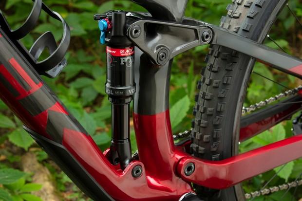 RE:aktiv Thru Shaft mountain bike shock