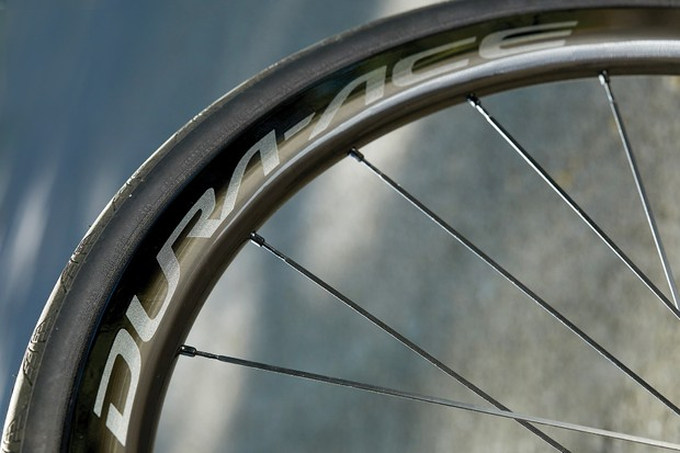 Shimano Dura-Ace C40 Disc wheels on Genesis Zero Disc SL
