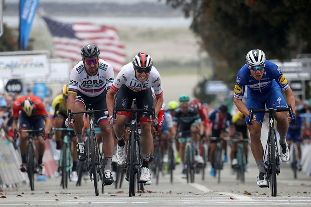 Pro cyclists sprinting for the win
