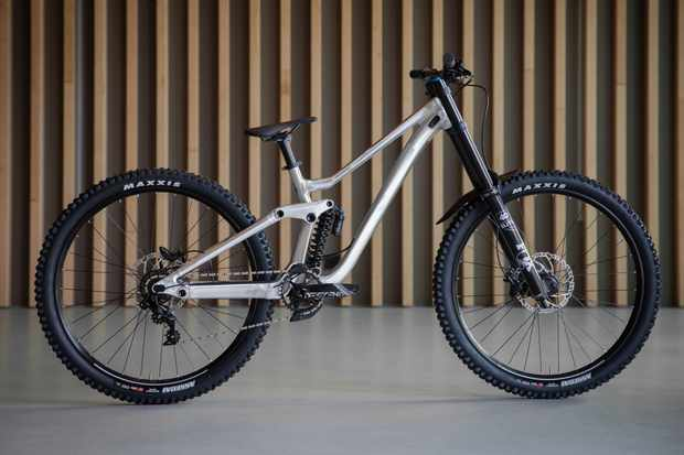 Scott Gambler 920 downhill mountain bike