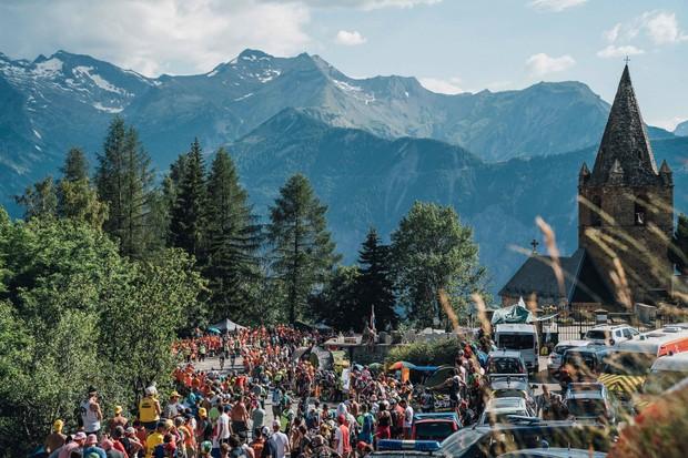 Fans at the 2019 Tour de France