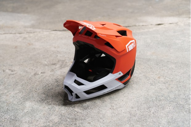 100% Trajecta full-face helmet