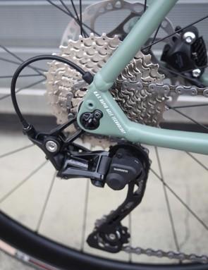 Shimano GRX drivetrain on green focus Paralane2 gravel bike