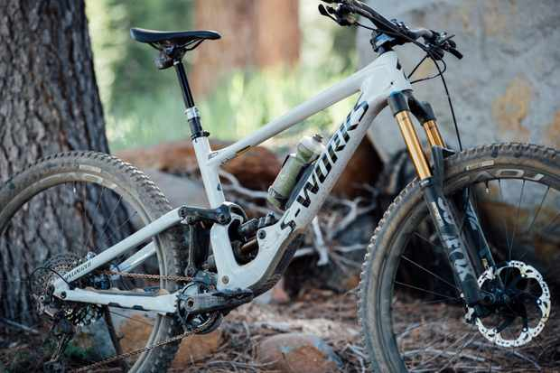 Specialized 2020 Enduro | a mini DH bike you can pedal all