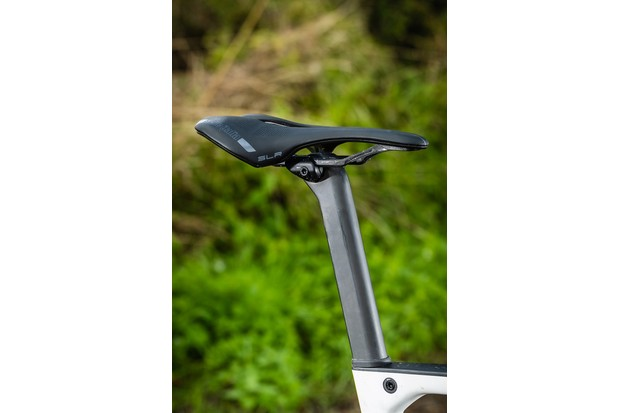 D shaped seatpost and saddle on Orbea OMX