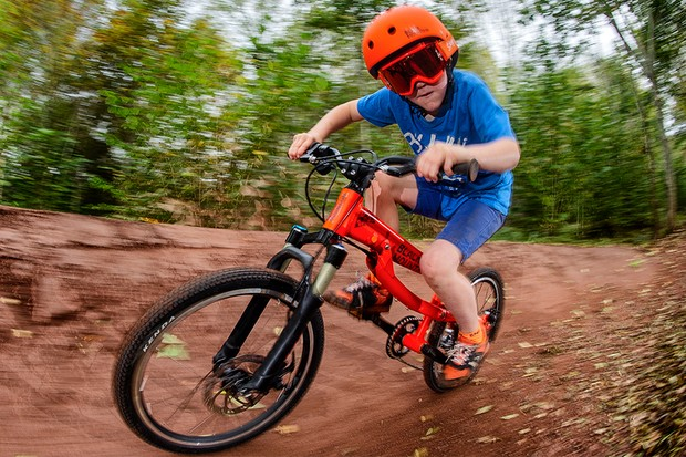 Black Mountain Hutto kids bike