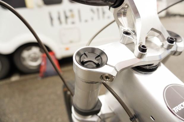 Intend Infinity mountain bike suspension fork