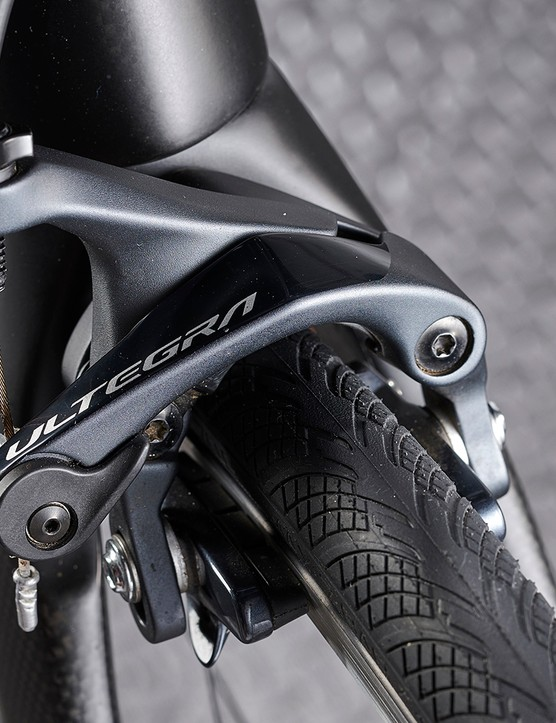 rim brakes on black road bike
