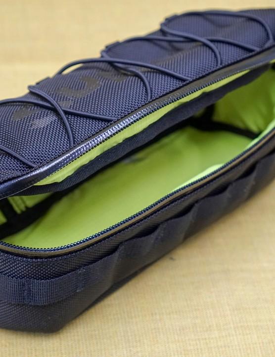 Surly Moloko handlebar bag open