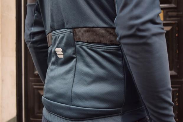 Sportful jersey pockets
