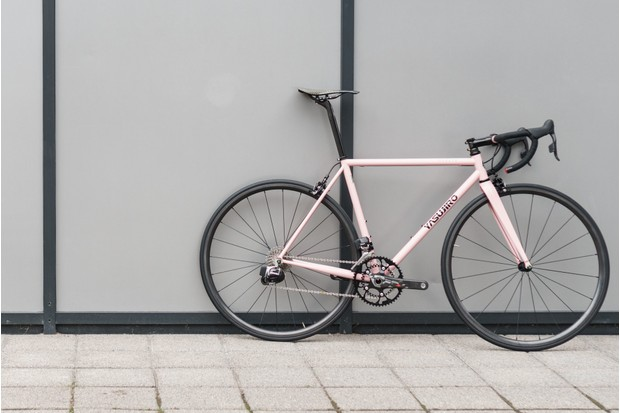 Yasujiro Svelte the world's lightest steel road bike