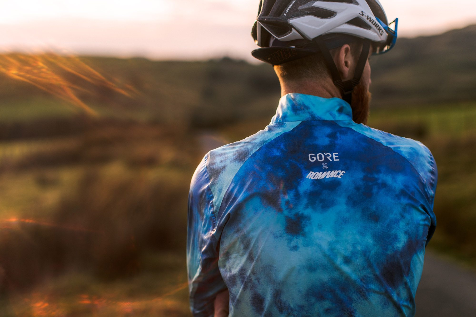 Gore x Romance Shakedry jacket | colourful Gore Tex cycling