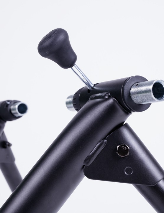 Saris M2 smart turbo trainer