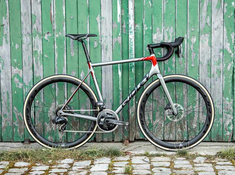 New Ridley Helium SLX Disc adds disc brakes and internally routes all cables