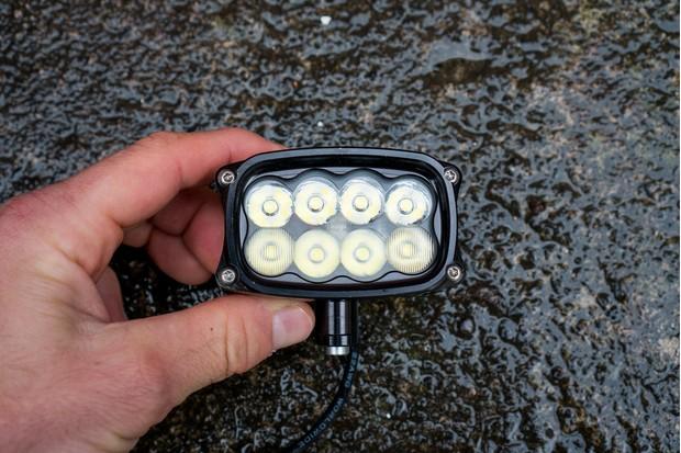 Hope R8+ LED