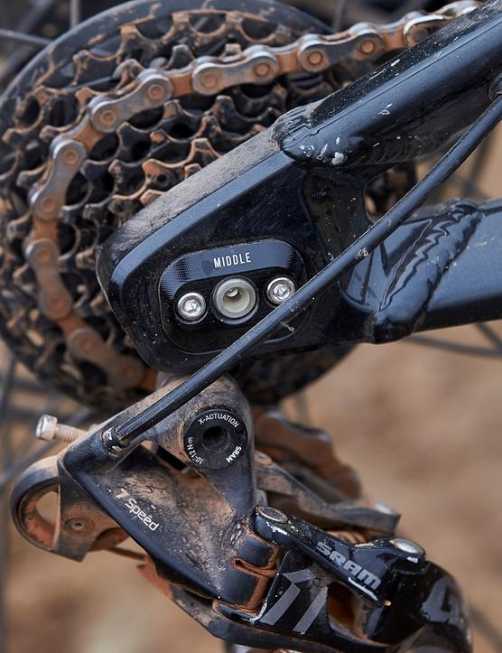 wheelbase adjuster on full suspension mountain bike
