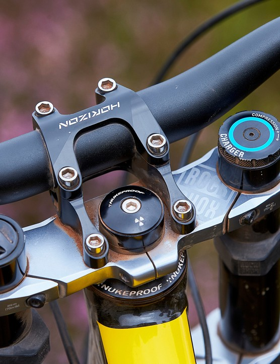 boxxer fork with DebonAir spring and Charger damper on full suspension mountain bike