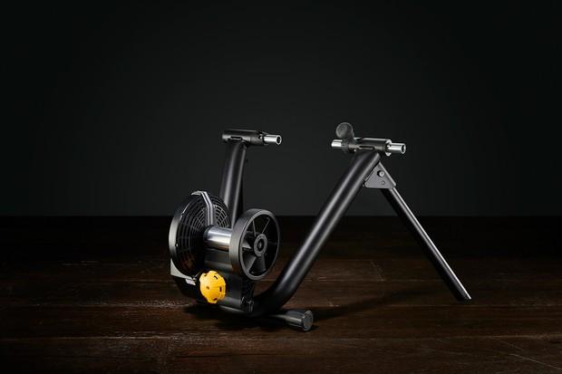 smart indoor cycling trainer