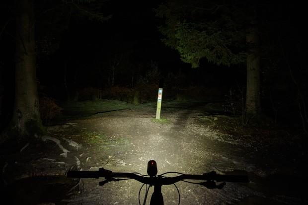 Knog PWR Mountain bicycle light beam pattern