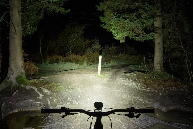 Magicshine Monteer 6500 bicycle light beam pattern