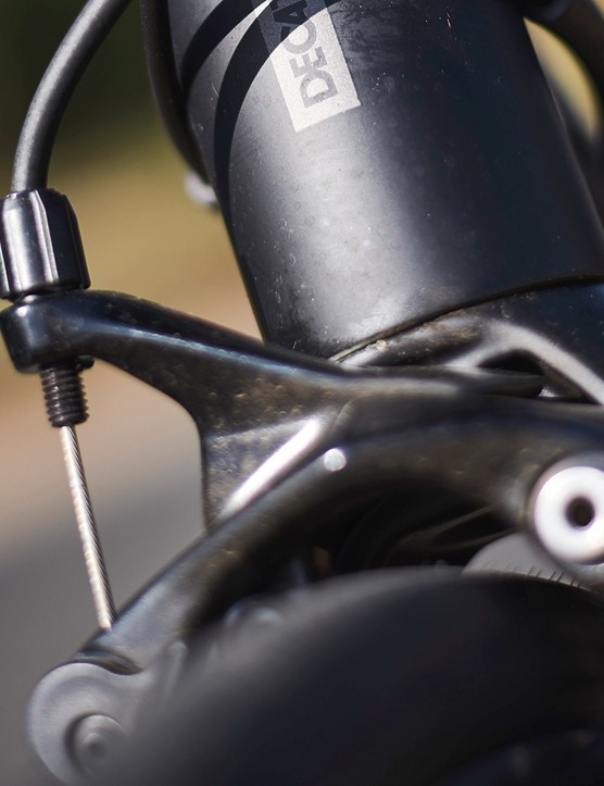 Rim brakes on decathlon road bike