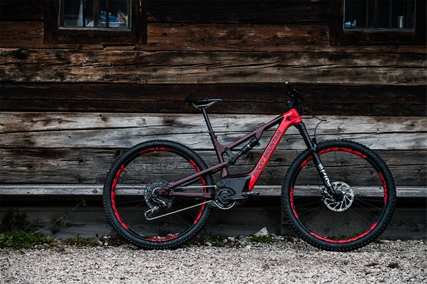 The Instinct Powerplay has 29-inch wheels, a 672Wh battery and the Dyname 3 drive system Rocky Mountain developed