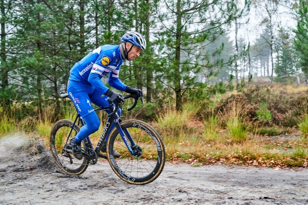Zdenek Stybar riding his new custom Specialized Crux