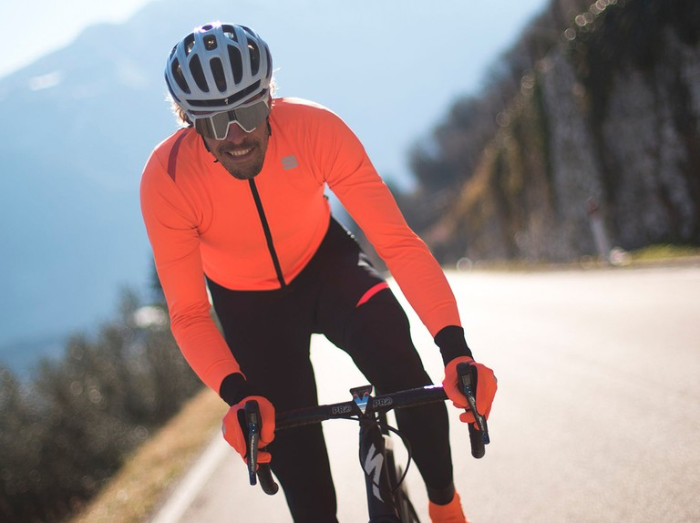 """Sportful reworks Fiandre Pro collection with """"the world's most breathable waterproof fabric"""""""