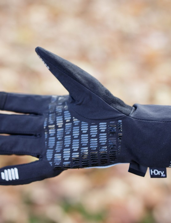 Palm of outer glove.