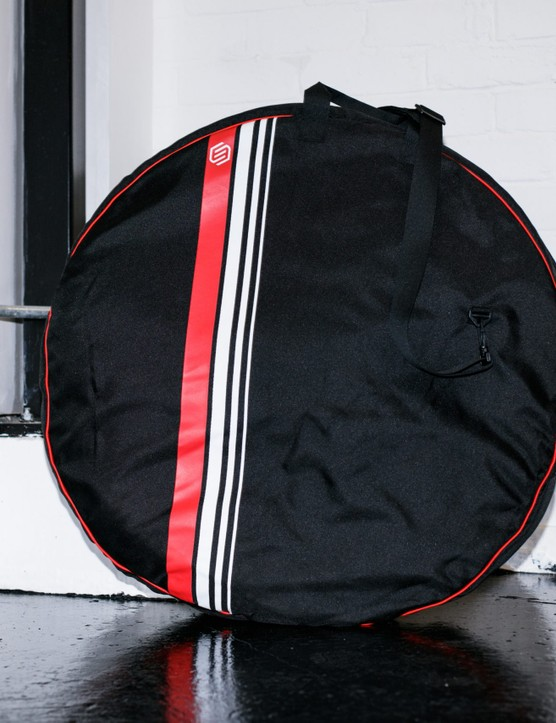 The wheelset also came in a padded wheel bag.