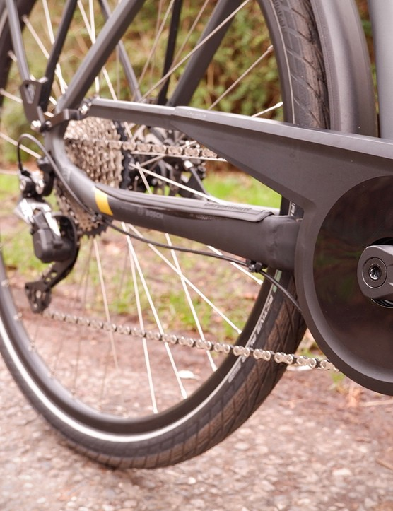 Drivetrain shroud protects your trousers on this electric commuter bike