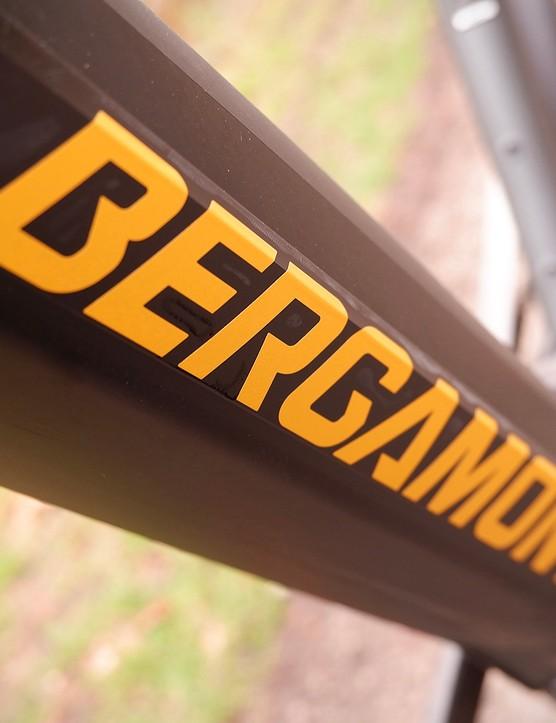 The downtube houses the battery for the Bergamont E-Horizon Expert 600 Gent