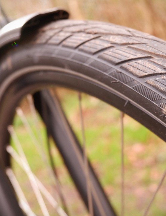 Schwalbe Energizer Active Plus tyre on Mach 1 rims