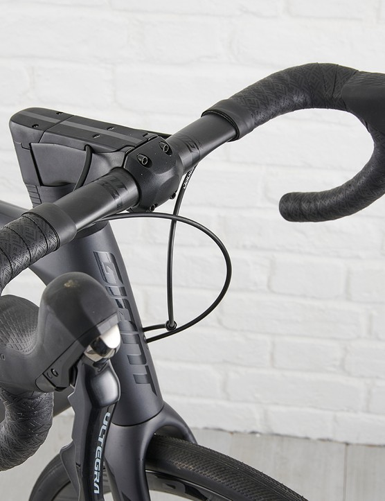 Giant Contact SLR D-Fuse bar on Giant Defy Advanced Pro 2