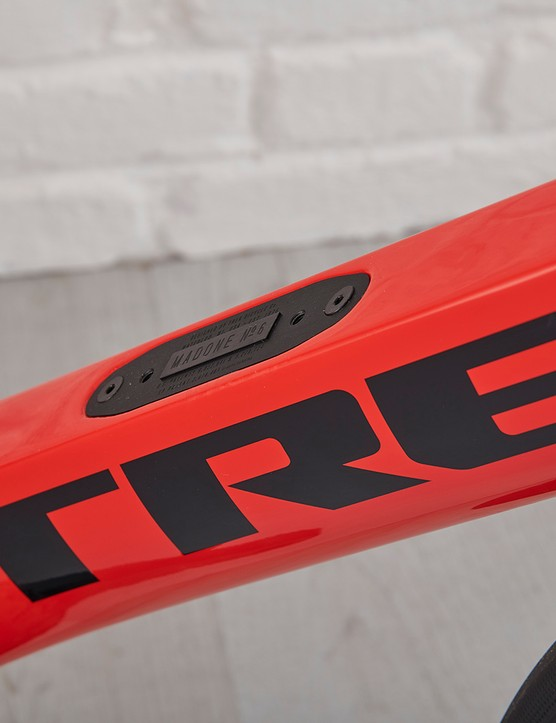 Downtube of the Trek Madone SL6 Disc
